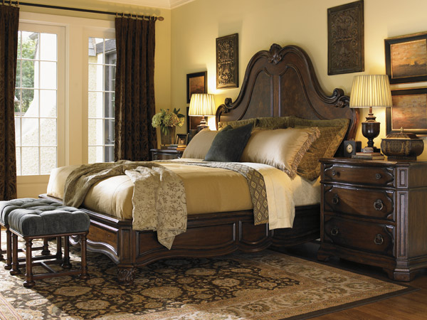 Catrina's Palacio Collection, Grande Salon King Bed