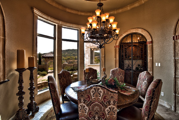 Catrina's Ranch Intertiors Urban Home Dining Room